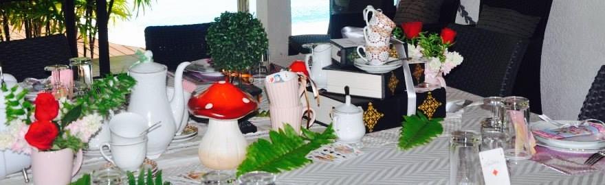 ma d co de table alice au pays des merveilles. Black Bedroom Furniture Sets. Home Design Ideas